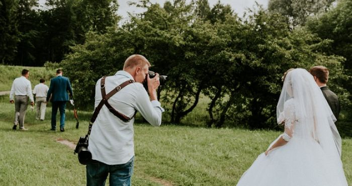 Things that you should consider when hiring a wedding photographer